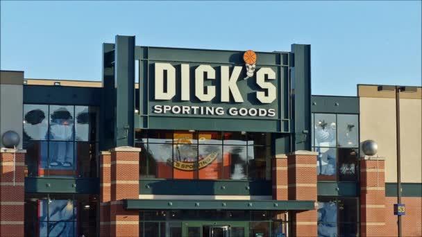 Ptáky, sportovní zboží obchodu