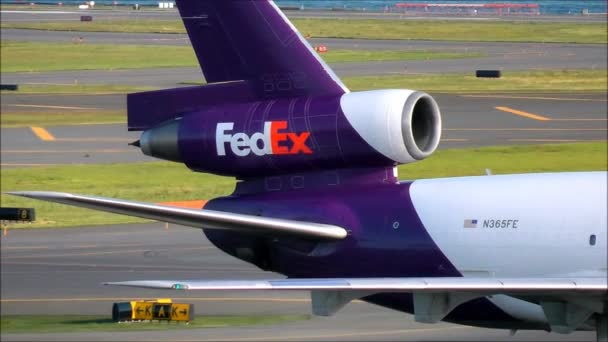 FedEx-Logo auf Jet