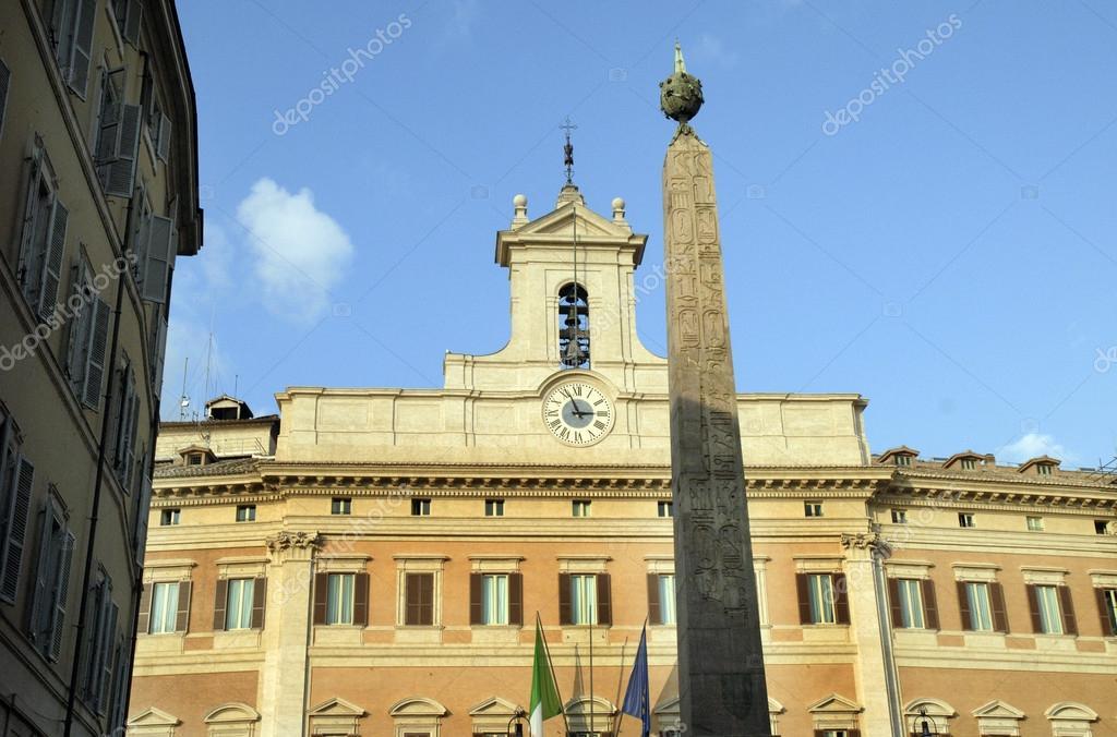 Budynek parlamentu w oskiego w rzymie zdj cie stockowe for Storia del parlamento italiano