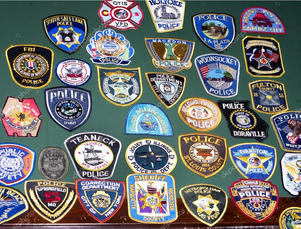 Embroidered Police Badges in Bar in Alexandria Virginia US — Stock Photo