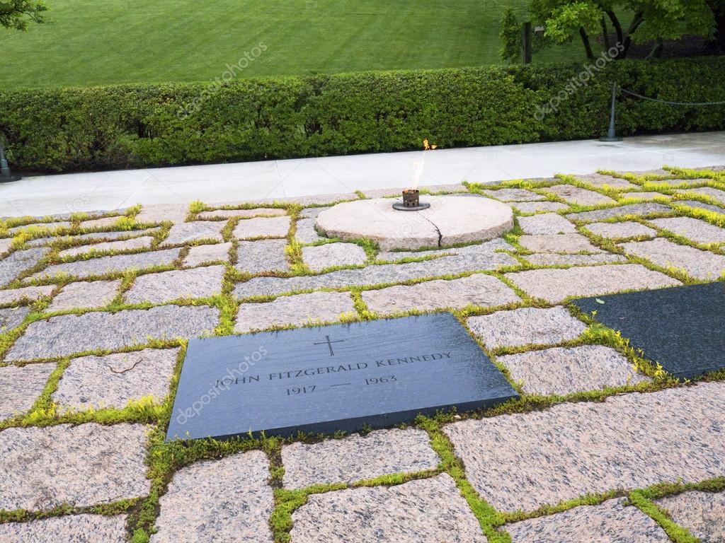 John F Kennedys Grab Und Die Ewige Flamme Auf Dem Nationalfriedhof