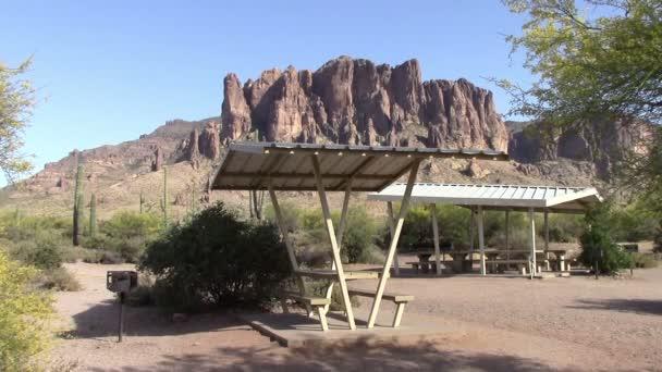 Ztracené Holanďan stát Park, Arizona piknikové stoly