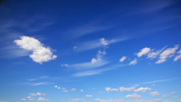 Mráčků na obloze