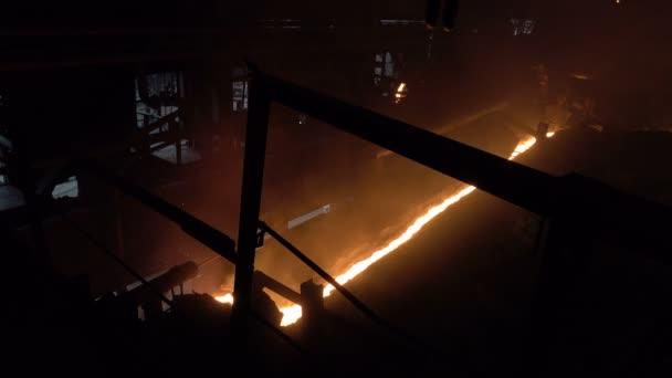 az áramlás a forró metall