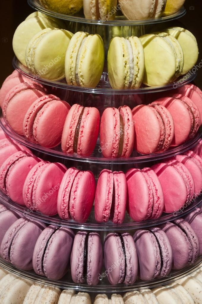Macarons forming pyramid in the showroom — Stock Photo