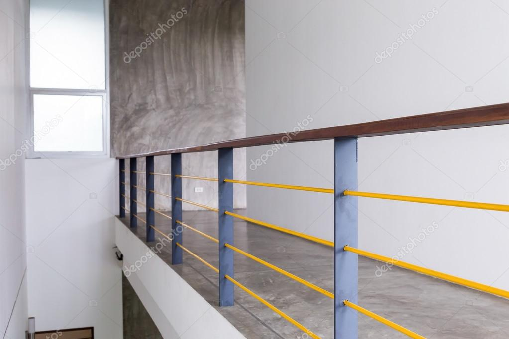 Design Beton Fußboden ~ Architekturdesign house durchgang betonfußboden u2014 stockfoto