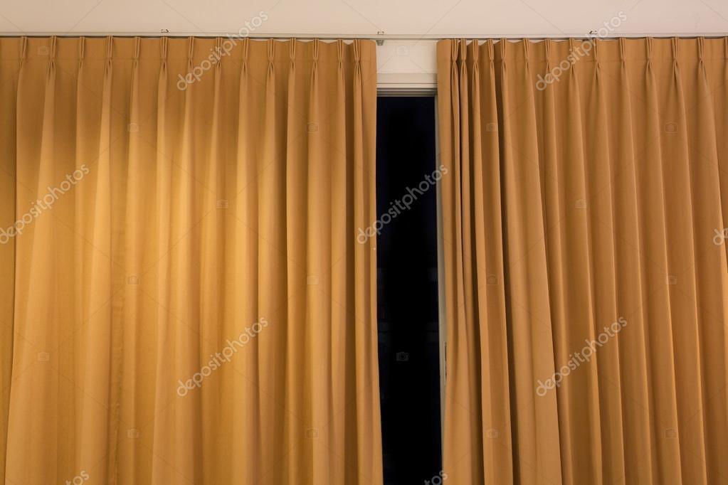 Gordijn Voor Deur : Deur gordijn interieur kamer u stockfoto sutichak