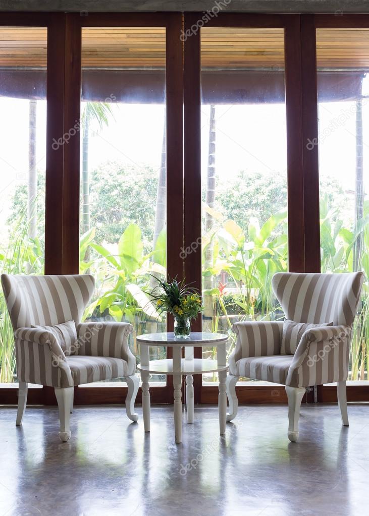 ontwerp van het interieur woonkamer met sofa meubilair met spiegel ...