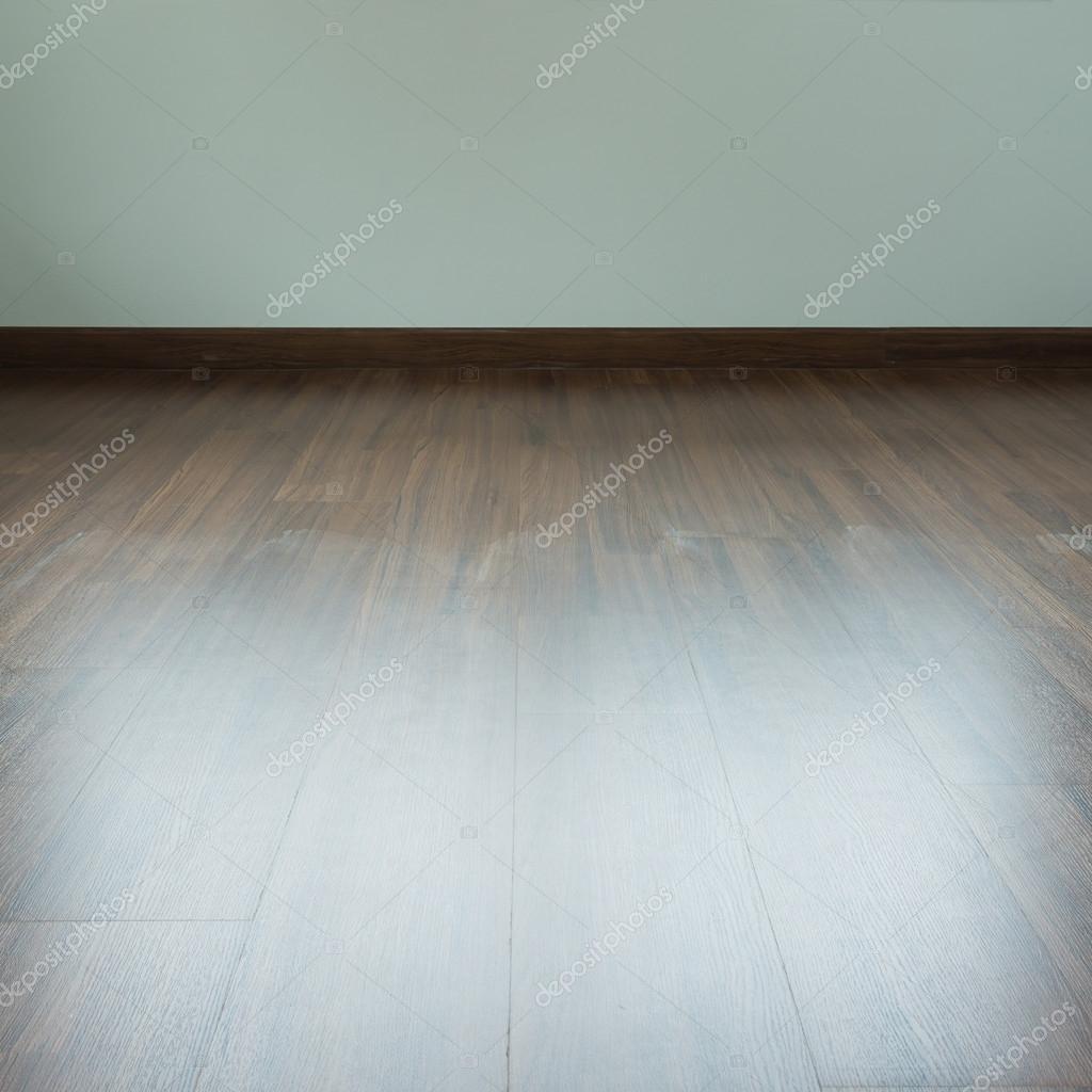 leeren raum interieur braune holz laminatboden und weien mrtel stockfoto 124543558 - Hartholz Oder Laminatboden