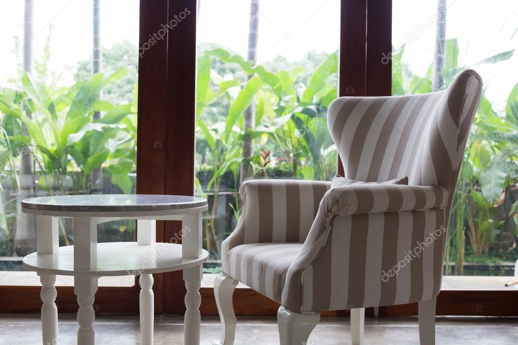 diseo de interiores living comedor estilo moderno con muebles de sof u fotos de stock