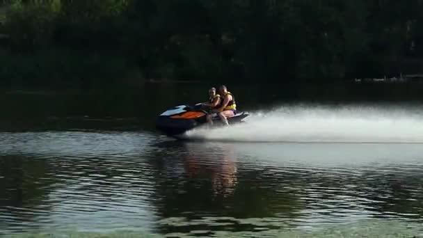 jízda na vodním skútru