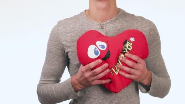 Knappe Jongen Geeft Een Cadeau Voor Zijn Vriendin In De Handen Van Een Jongen Speelgoed Teddy Beer Met Een Hart