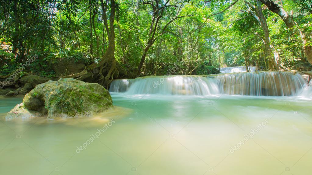 Фотообои Beautiful waterfall, Huay Mae Ka Min