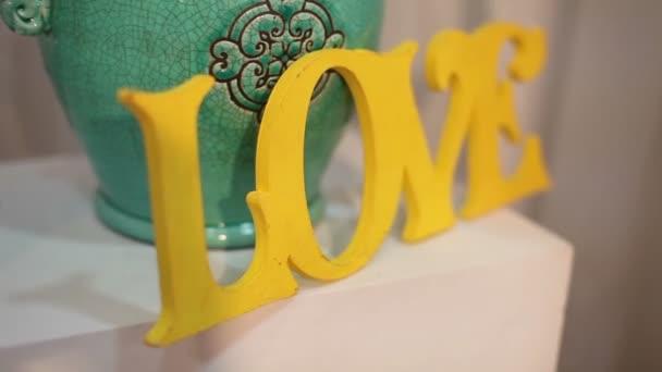 Dekorativní nápis Love, výzdoba, Zátiší