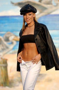 Amanda Brazee - Professional Model - Outdoor Fashion Shoot