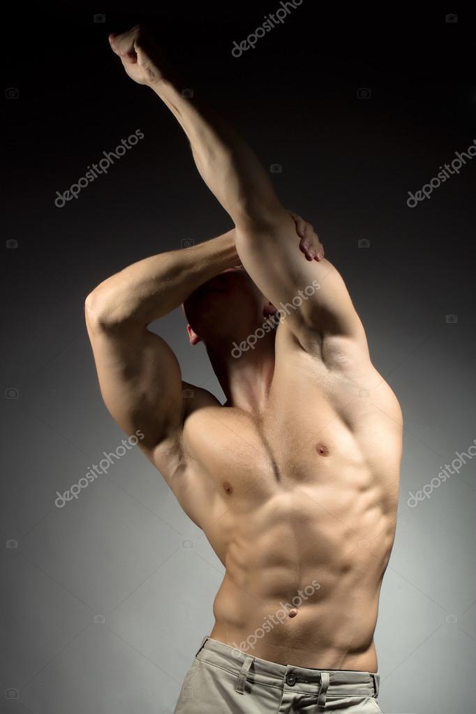 Hombre con cuerpo sexy — Foto de stock © Tverdohlib.com #112898474