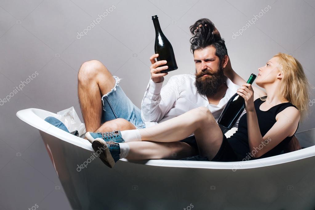 Фото молодая в ванне фото 277-144