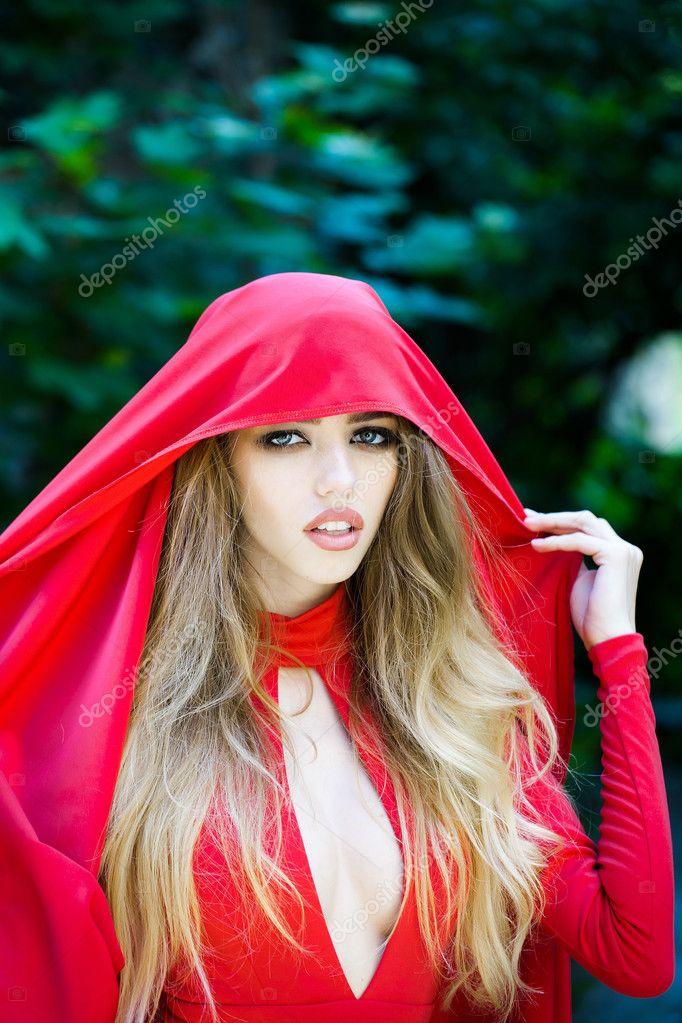 Rote Kapuze sexy