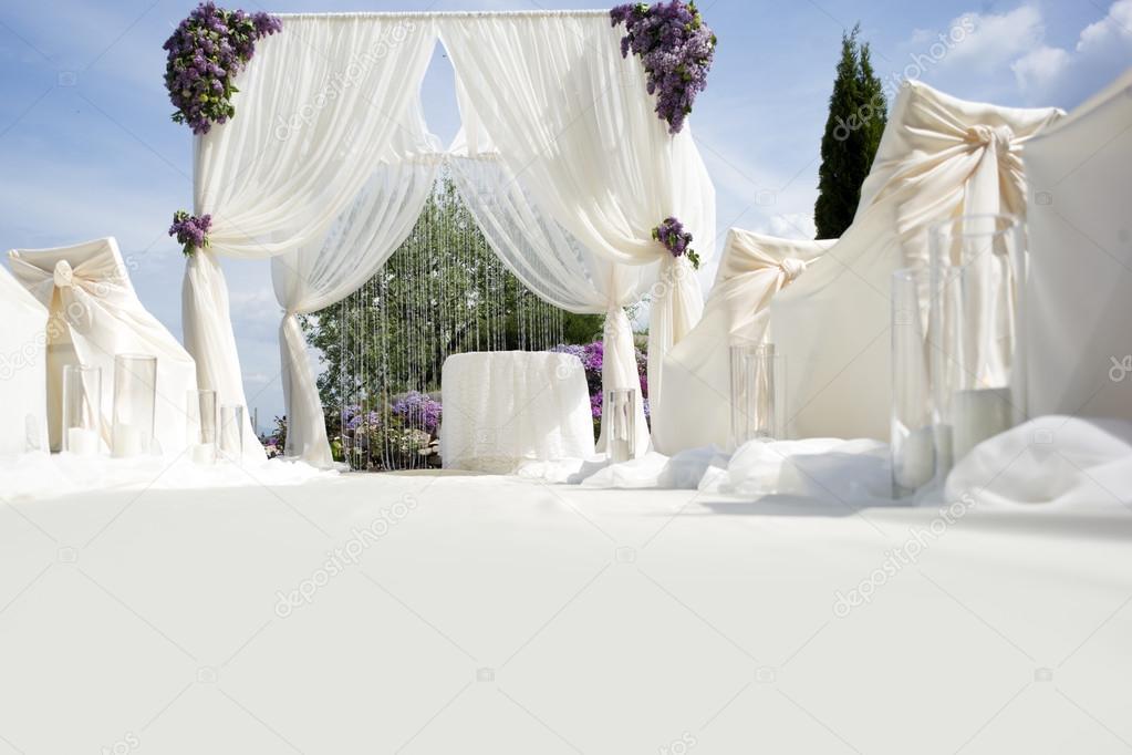 Festive wedding decoration with light aisle