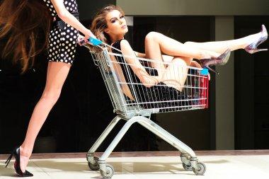 Winning women with shopping trolley