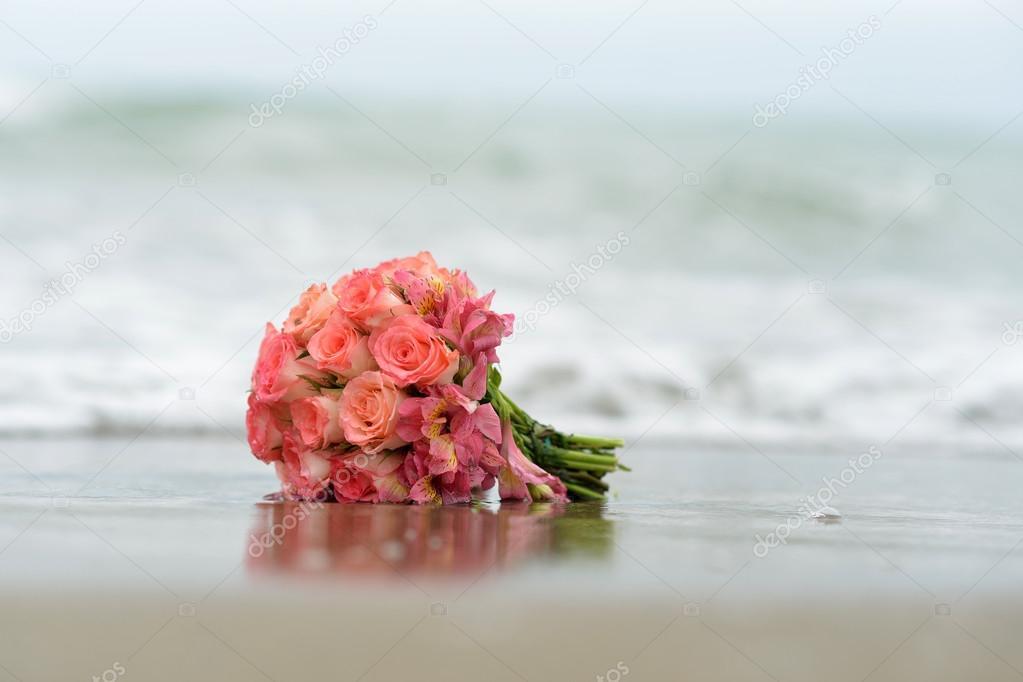 Posy of crimson roses