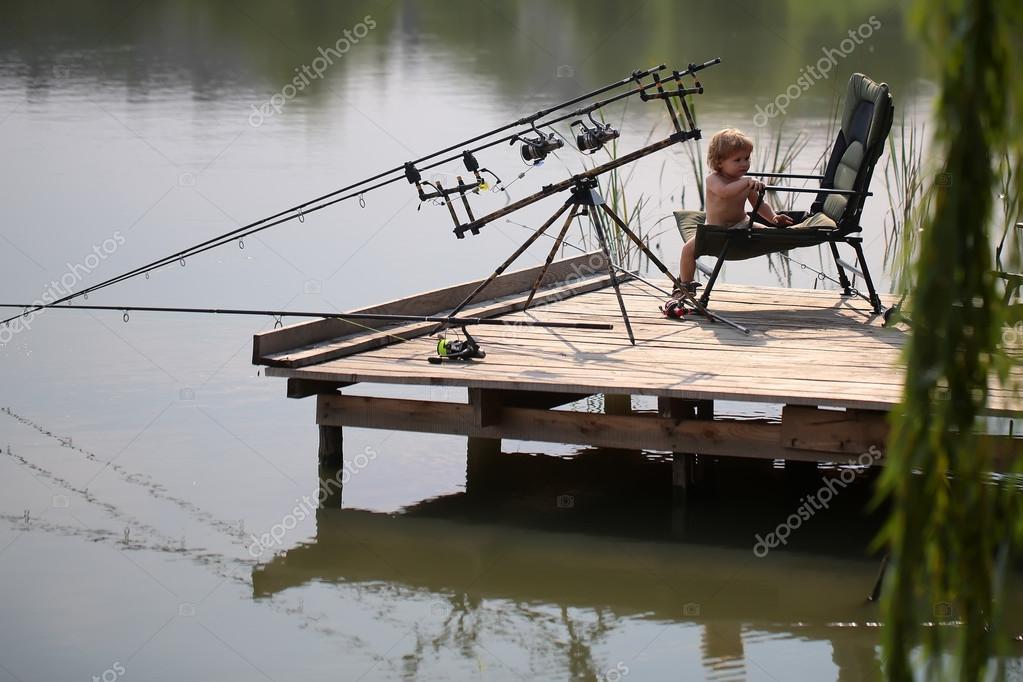 Little child fishing