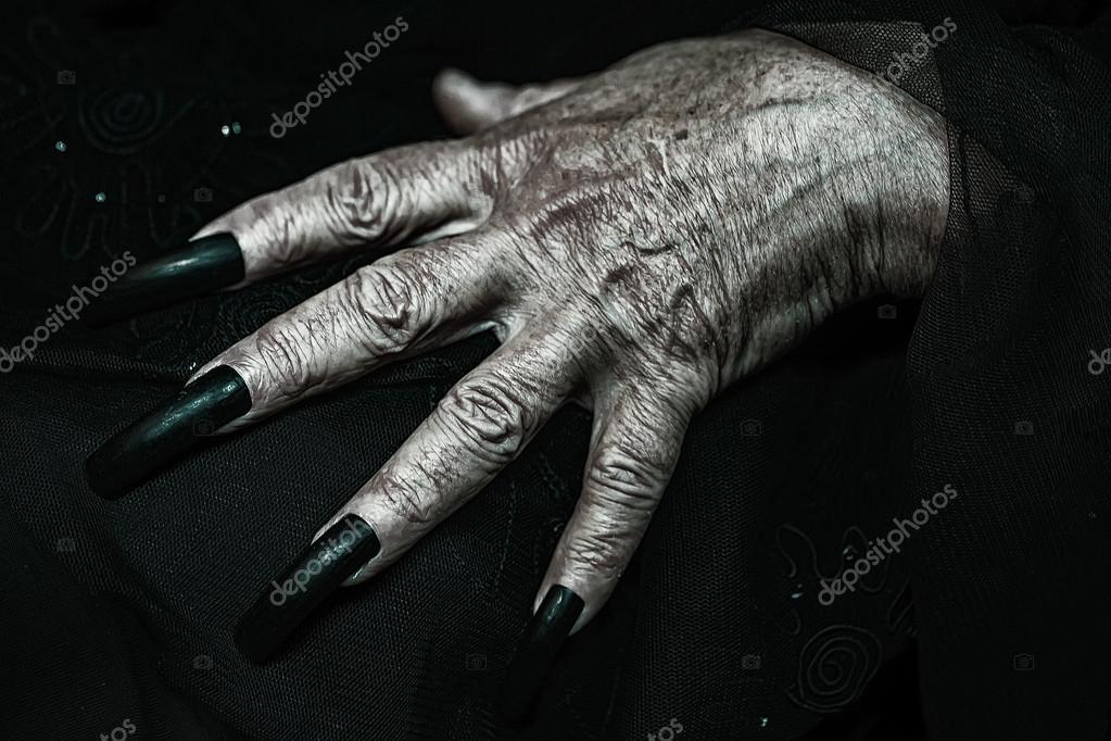 strona z długimi paznokciami randki online mcdonaldization