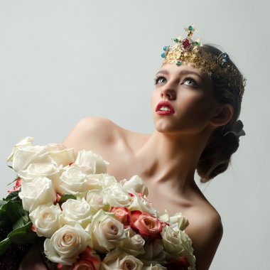 Queen with rose bouquet
