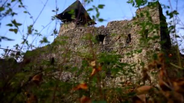 Castello medievale, vista dal basso