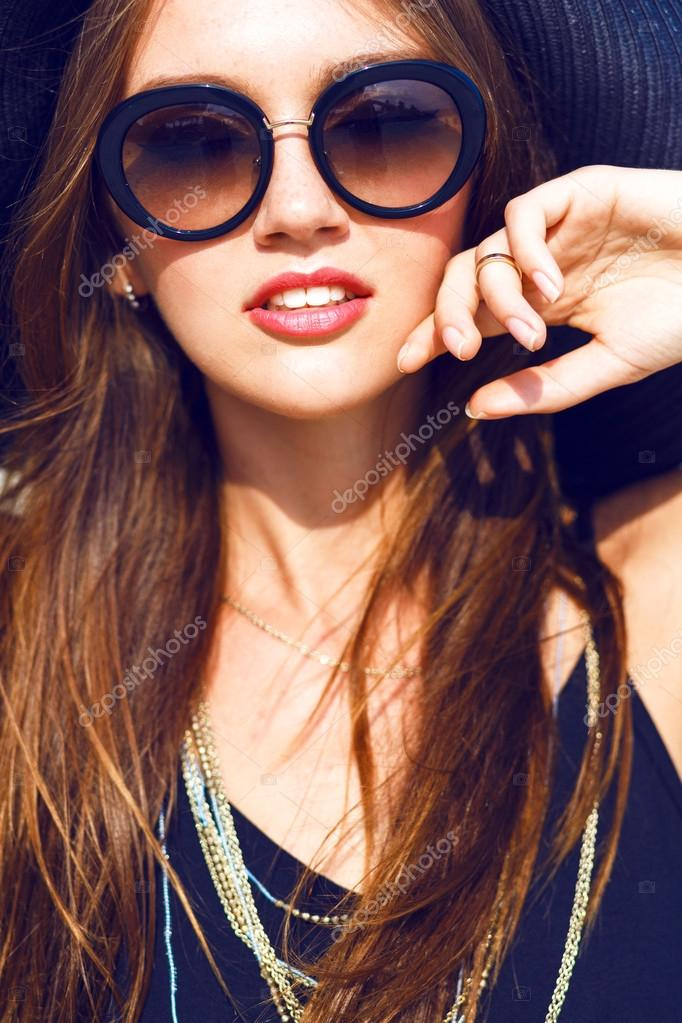 Close up fashion portrait of sexy  woman