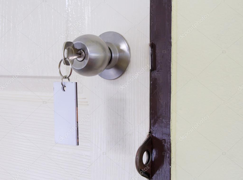 borttappade nycklar — Stockfotografi © jpkirakun  59187741 15a8e920e8504