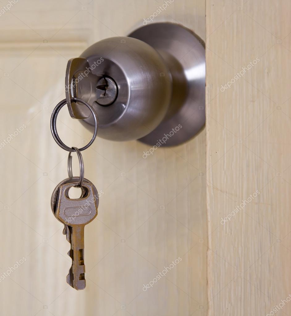 borttappade nycklar — Stockfotografi © jpkirakun  68731561 8c04dae893bbc