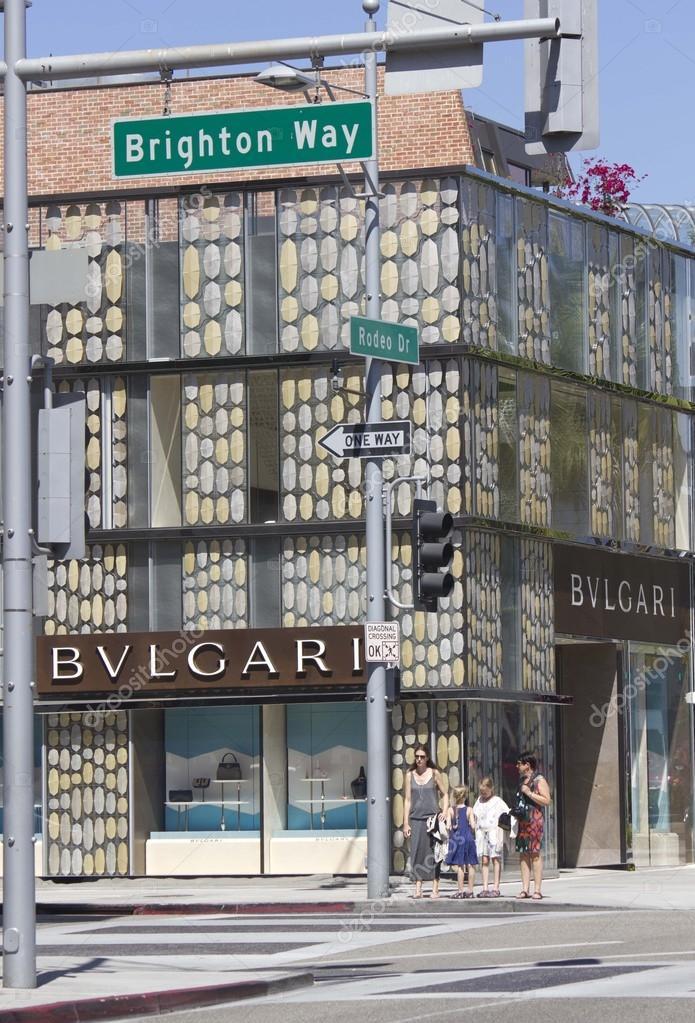 66b76b4d1f7 Bulgari shop in the famous Rodeo Drive street — Foto editorial de ...
