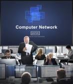Fotografie Mitarbeiter und Computer-Netzwerk
