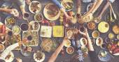 Lidé se těší potravin