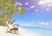 Fotografie Geschäftsmann bleiben allein am Strand