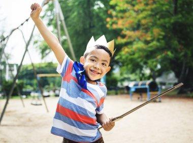 preschool boy in crown