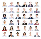 Gente di affari varia multietnica