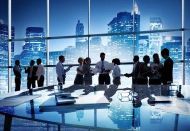 деловые люди, работающие при исполнении служебных обязанностей