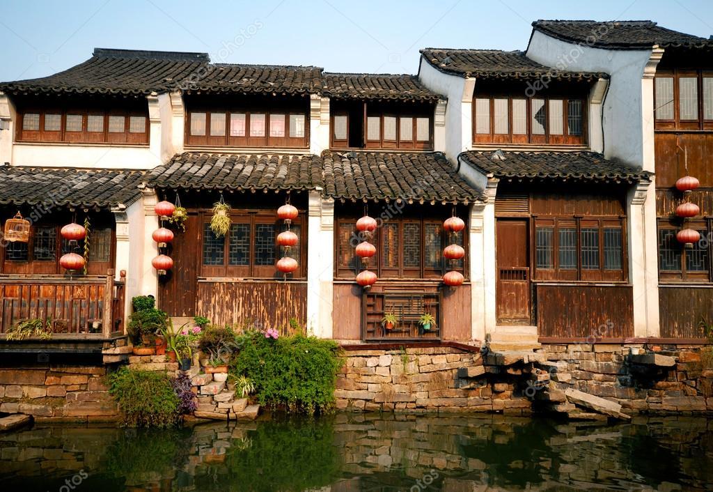 Case Tradizionali Cinesi : Tradizionale cinese case fodera canal u2014 foto stock © rawpixel #52467083