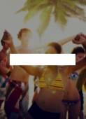 Přátelé na letní Beach Party koncepce