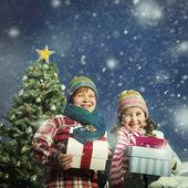Fotografie Děti vánoční dárky