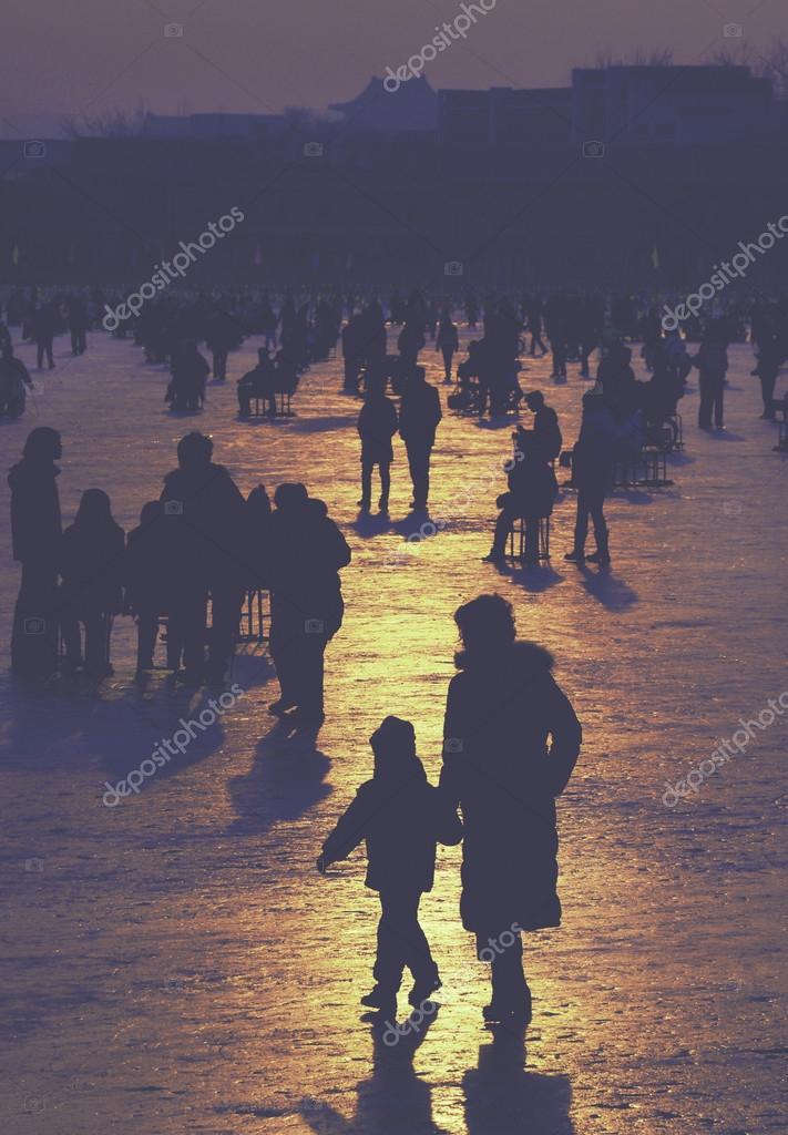 Resultado de imagen de solos entre la gente
