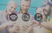 Bezdrátová technologie Online zpráv koncepce