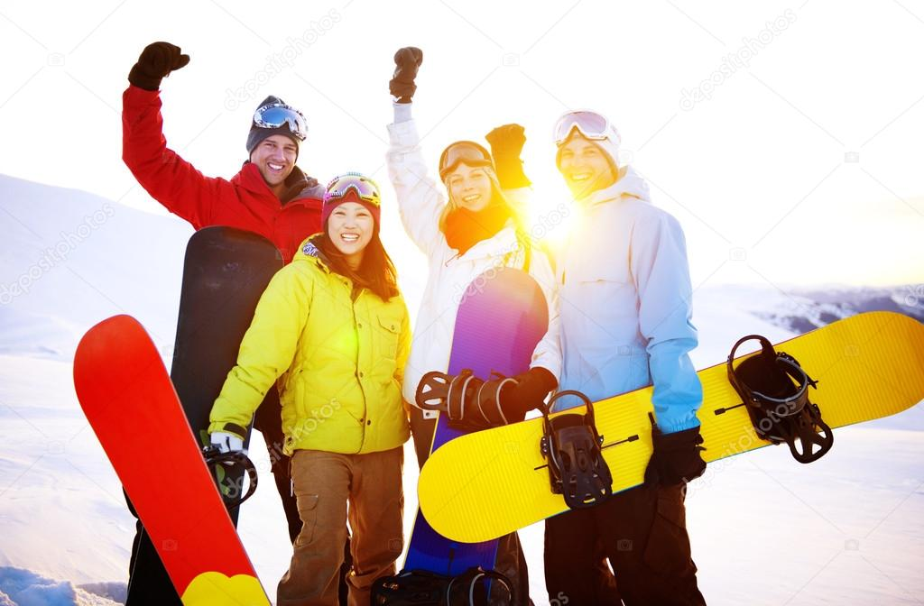 Snowboarders Extreme Skiing