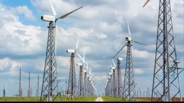 Windkraftanlagen. Zeitraffer.