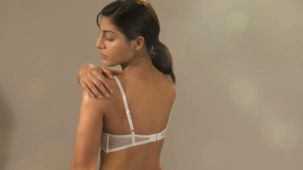 ebat-demotivator-video-zhenshini-v-tele-seks