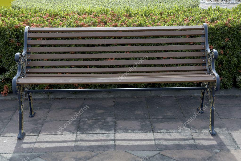 Chaise de bureau dans le jardin u2014 photographie topten22photo