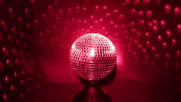 Disco koule s červenou