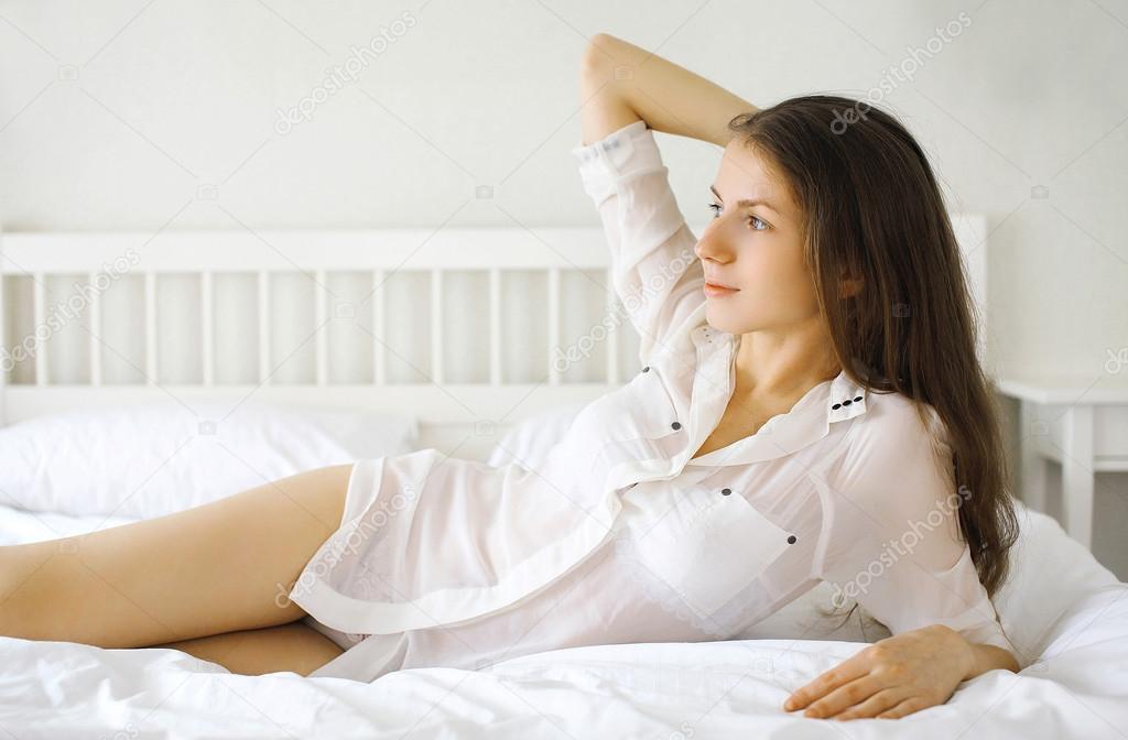 Пизду фотогалереи девушек в постели